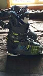 Atomic Waymaker Carbon 100, Size 27.5 Ski Boots