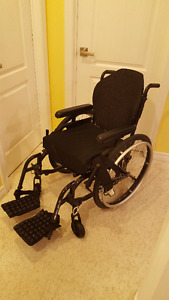 Helio A7 Wheelchair by Motion Composite