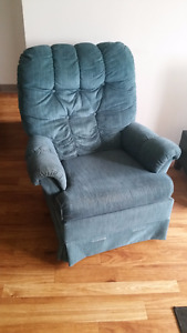 Super Comfy Arm Chair - Pick up Only