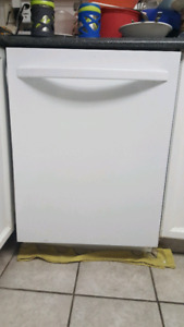 Kenmore dishwasher with leaky drain. Free for parts or repair