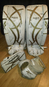 Reebok 9000 INT 30+1 Goalie Pads, Blocker & Trapper