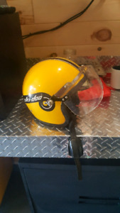 Ski doo helmet with shield