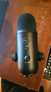 Blackout Blue Yeti Microphone