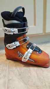 Salomon Ski Boots (used) size 24 (equivalent to size 6 mens)