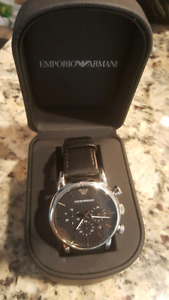 ARMANI MEN'S LEATHER STRAPPED WATCH