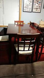 Great condition bar stool table set