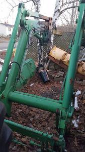 741 Self leveling loader came off a 2002 John Deere 7420
