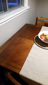 Kitchen Pub Table with 4 chairs