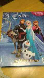 Frozen book with play mat & figurines Kingston Kingston Area image 2