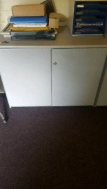 Storage unit with lock and key