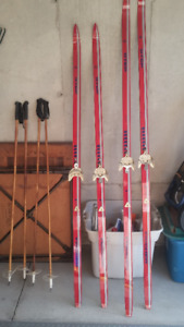 Xcross country skis