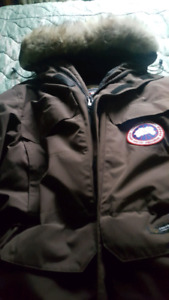 Canada Goose Expedition L Parka for sale $450.worth  $1250. new.