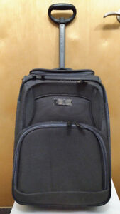 DISTINCTION Carry On Luggage