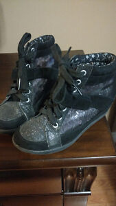 Justice wedge sneaker boots sz 2