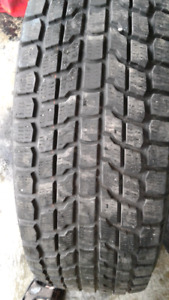 4 pneus d'hiver 255/70R18