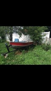 Aluminum 12ft Boat with trailer and motor