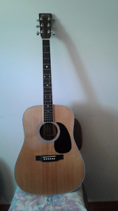 D 35 MARTIN ACOUSTIC GUITAR, LIKE NEW-with Marrin case