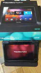 32 GB Blackberry Playbook and case