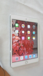 "IPad mini 3rd gen  16GB 7.9"" Sliver"