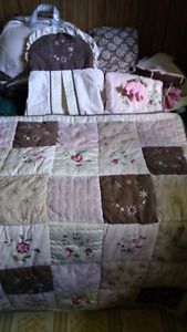 Baby Quilt with sheet set