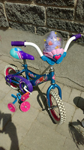 """Girl's 12 1/2"""" bike, with bubble maker!"""