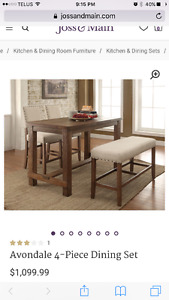 New Never-used Deluxe Dining Set !!!