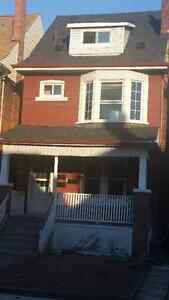 GAGE PARK, 2 STORY, NEWLY RENOVATED, INCLUSIVE, SHARED YARD