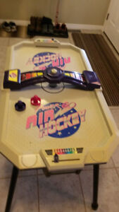 Air Hockey Game by PlayGo