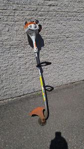 Coupe bordure Stihl (Weedeater) à essence