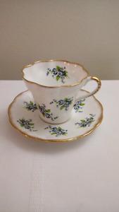 Elizabethan Fine Bone China Teacup and Saucer
