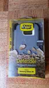 BRAND NEW SAMSUNG S6 OTTER BOX DEFENDER