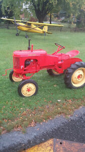 Tracteur massey Harris Poney restauré