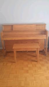 Piano en chêne à vendre