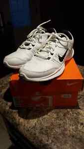 Nike sneakers size 8 womens
