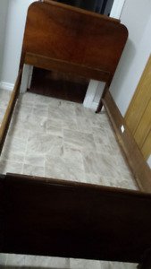Solid wood antique single bed