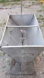 Stainless Steel Wet/Dry Feeders Stratford Kitchener Area image 1