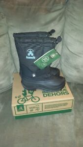 Boys Kamik size 2 BRAND NEW winter boots -40 temp