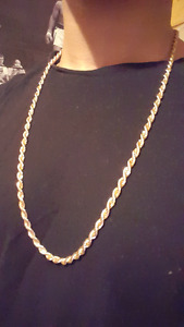 GOLD CHAIN / CHAINE EN OR - 15$