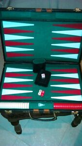 Backgammon set in leather,locking briefcase carrier - large size Kitchener / Waterloo Kitchener Area image 4