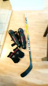 Équipement de deck hockey (vaut 450$)