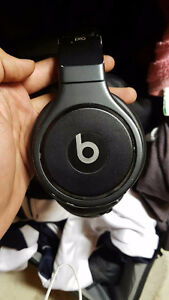 Black Studio Beats by Dr Dre