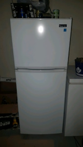 9.9 cubic foot magic chef refrigerator