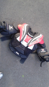 Itech goalie chest and arm pads