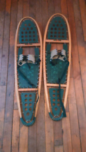 Brand new 40'' Winter Hiker snowshoes