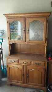 Kitchen table/hutch