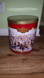 Currier&Ives large empty tin