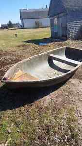 10 foot fiber glass boat with electric motor