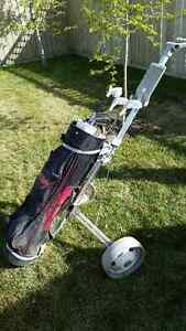 For Sale:  Woman's Golf Clubs, Bag and Cart