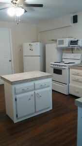 DO you NEED a Clean,Quiet Place in BATHURST for 1 WEEK or (MORE)