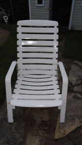 Chaise basse 3 positions